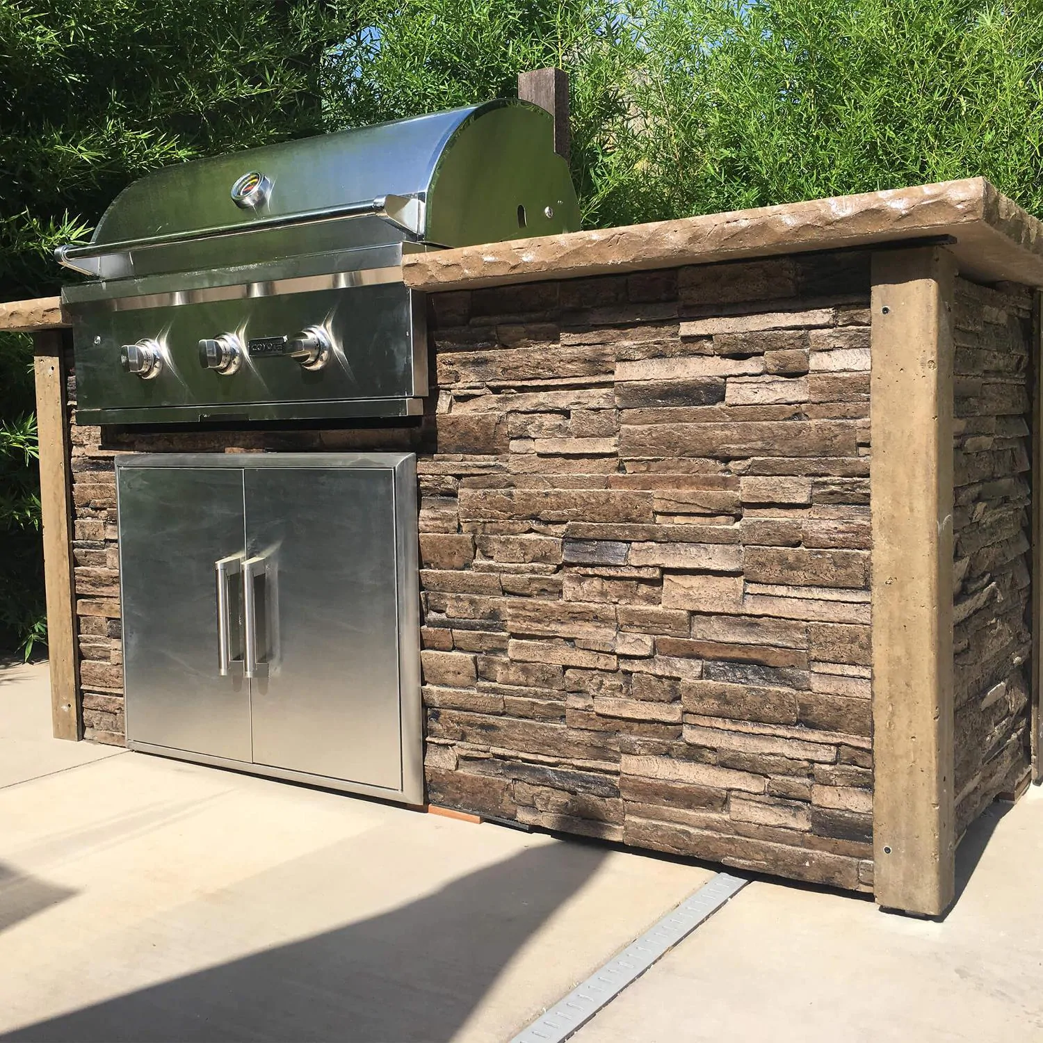 Coyote Ready-To-Assemble 6 Ft Outdoor Kitchen Island With 34-Inch C-Series Natural Gas Grill (Ships As Propane With Conversion Fittings) - Stacked Stone/Brown Terra - RTAC-G6-SB-C2C34NG